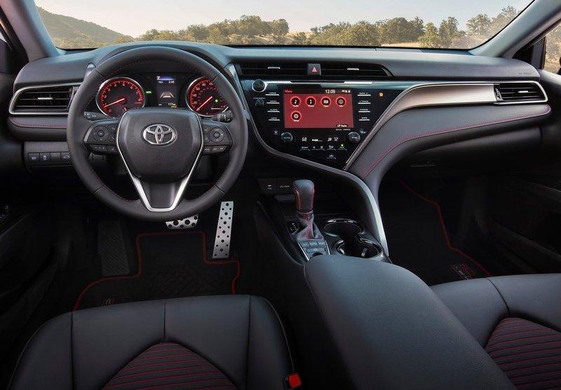 Toyota-Camry_TRD