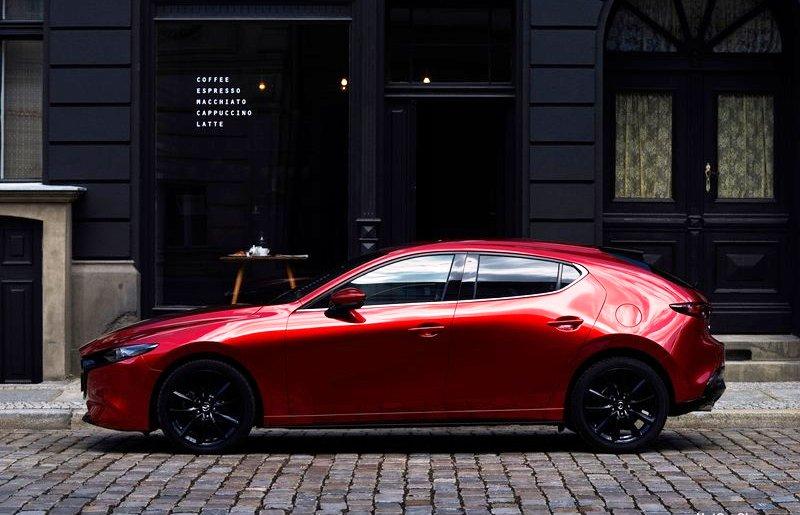 Новая Mazda3 2019 хетчбек