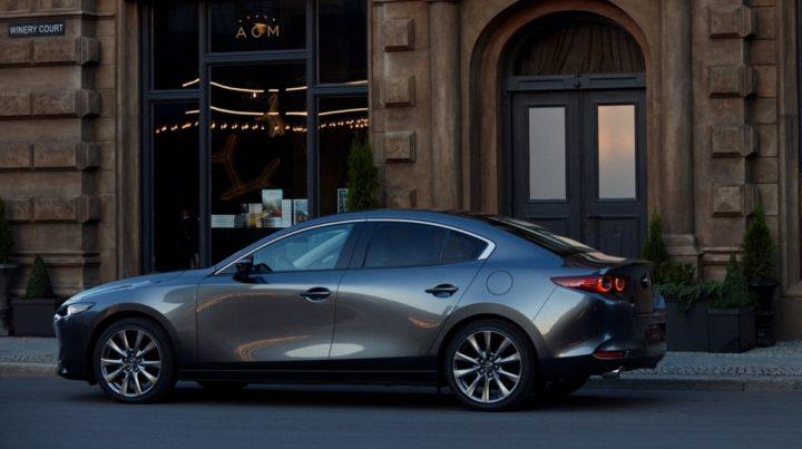 Новая Mazda3 2019 седан