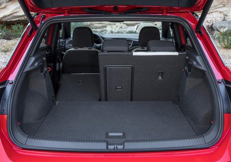 Volkswagen-T-Roc bagazhnik