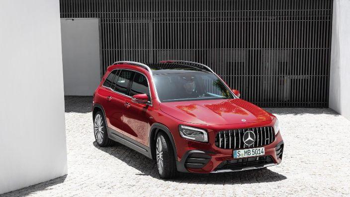 В AMG прокачали новый кроссовер Mercedes-Benz GLB