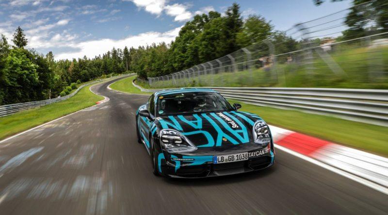 Porsche Taycan - самый быстрый из электромобилей