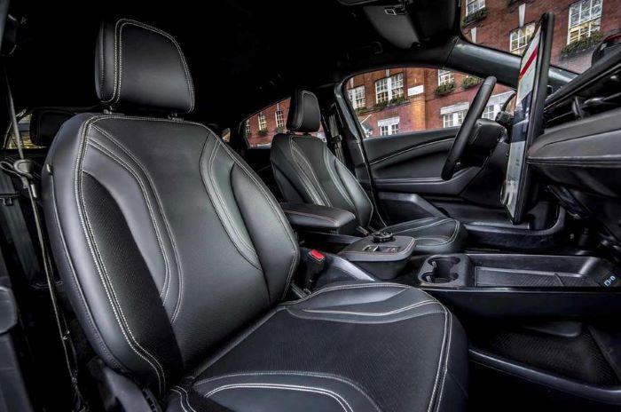 салон Ford Mustang Mach-E электрический кроссовер