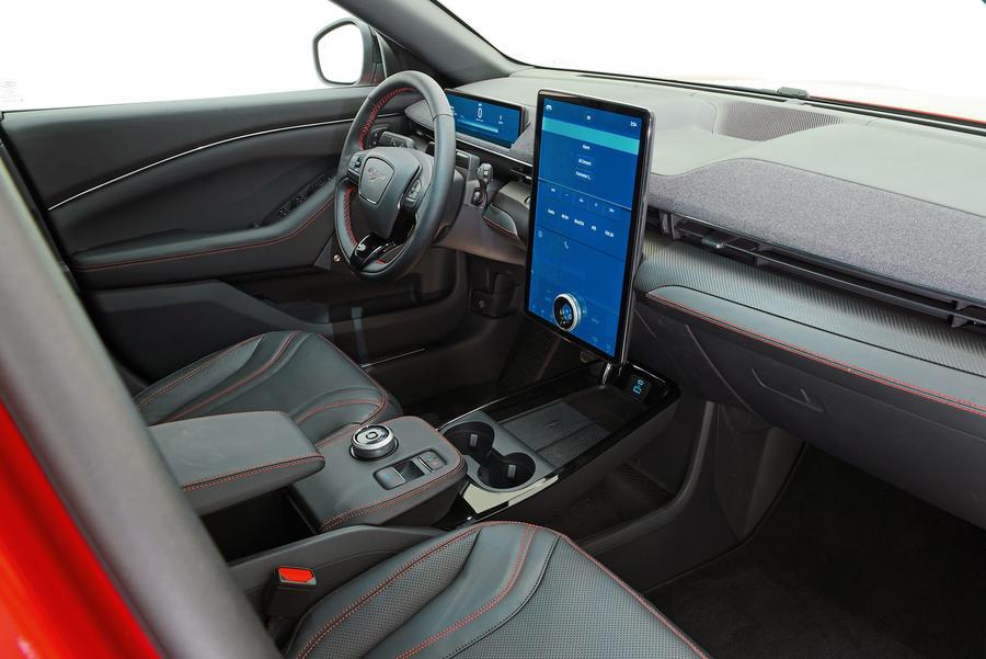 Ford Mustang теперь будет и электрическим кроссовером