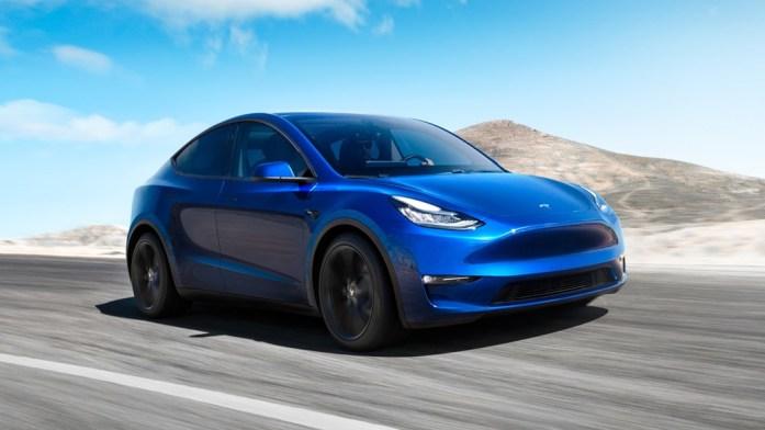 Tesla Model Y отправляется на конвейер