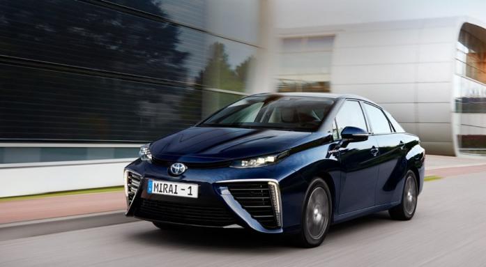 Toyota Mirai. Плюсы и минусы водородного автомобиля